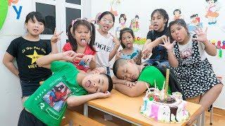 Video Kids Go To School | Birthday Chuns Best Friends Organize Surprise Birthday Especially In Classroom 2 MP3, 3GP, MP4, WEBM, AVI, FLV Juni 2019