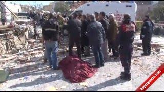 İzmir'in Buca ilçesinde, tek katlı binada meydana gelen patlamada 1 kişi öldü, 2 kişi yaralandı.