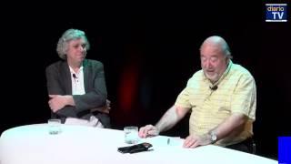 Felipe Pozo conversa Francisco Estévez y Eugenio Aguiló