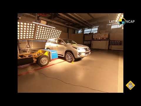Toyota Hilux y SW4 crash test Latin NCAP