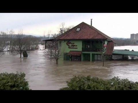 Σερβία: Σαρώνουν οι καταστροφικές πλημμύρες