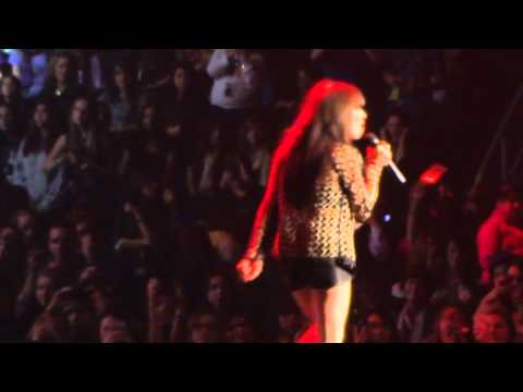 This Kiss - Carly Rae Jepsen (live/Winnipeg/2012)