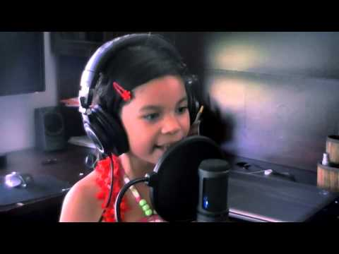 Video Halo - Beyonce (Cover by Alessandra 7 yrs old) download in MP3, 3GP, MP4, WEBM, AVI, FLV January 2017