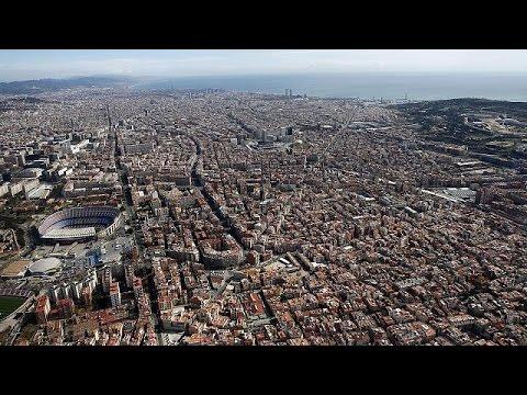 Βαρκελώνη: «Φρένο» στις νέες άδειες για τουριστικά καταλύματα
