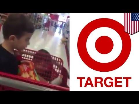 Kobieta nagrywa reakcję dzieci na dźwięki porno w supermarkecie