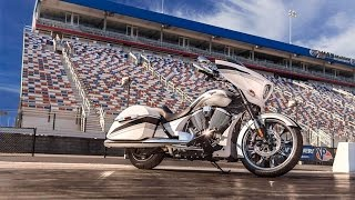 7. 2016 Victory Magnum | Engine Type Freedom 106/ 6 V-Twin