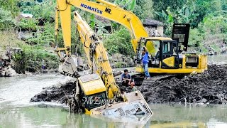 Video Excavator Accident Heavy Recovery Komatsu PC200 MP3, 3GP, MP4, WEBM, AVI, FLV Januari 2018