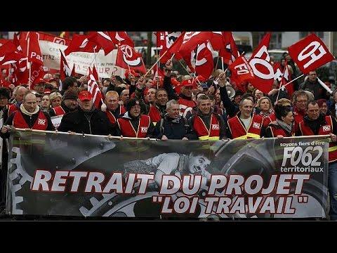 Γαλλία: Μικροσυμπλοκές για το εργασιακό