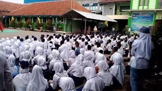 Siswa siswi baru SMK Muhammadiyah Kramat wajib mengenal lingkungan sekolah dan mengikuti aturan dari instansi pendidik tersebut.