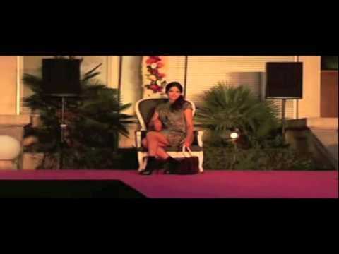 FEMME - Défilé de Mode à Bagatelle - Collection Automne - Hiver 2012 / 2013