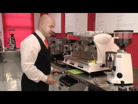Dosi di caffè, pressione, temperatura dell'acqua: come fare un caffè espresso a regola d'arte