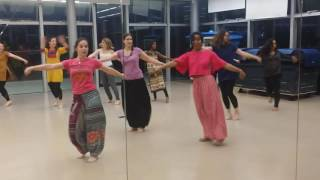 Bollywood dance class in Paris