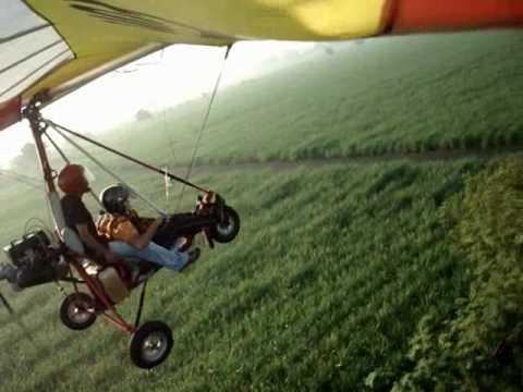 TRIKE FLYING LESSON 54 - CRAZY PILOT - very precise