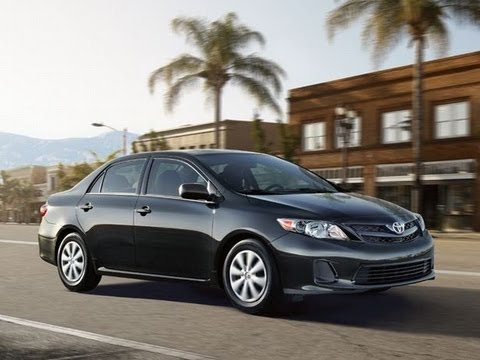 2013 Toyota Corolla LE Start Up and Review 1.8 L 4-Cylinder
