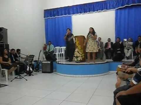 PEDRO E ALINE CANTANDO EM SUMÉ NA PARAIBA NA POSSE DO PASTOR BRUCE