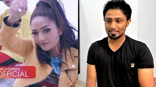 Video Siti Badriah - Lagi Syantik- Pretty Full (Official Music Video) REACTION MP3, 3GP, MP4, WEBM, AVI, FLV Agustus 2018