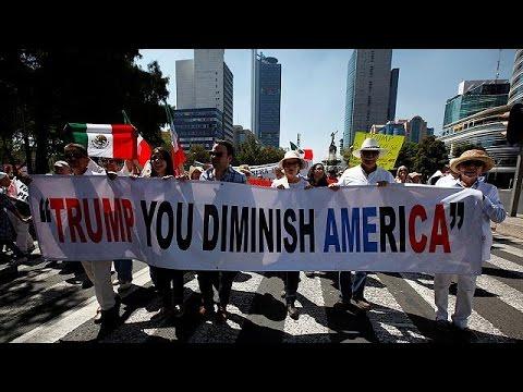 Κατά του τείχους στα σύνορα με τις ΗΠΑ διαδηλώνουν χιλιάδες Μεξικανοί