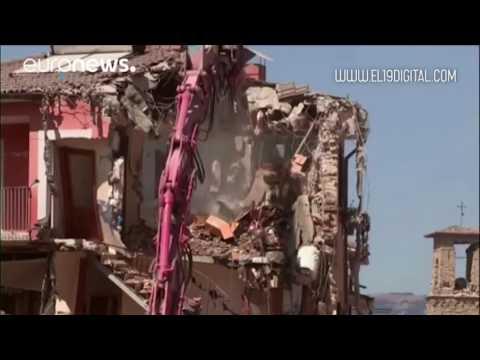 Los equipos de rescate siguen encontrando cadáveres en Amatrice