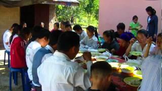 Noj mov nplej tshiab nyob Av Liab, Khw nyob zos xalaphoukhoune, Laos