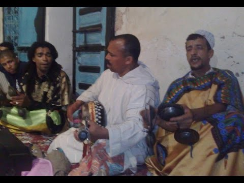 "Lila MàaLam Baghni & Abdelkbir Marchan -""_ 3aLal _-"" & Gnawa Oulad Bambra"