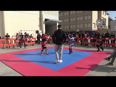 Kick Light Peralta (2)