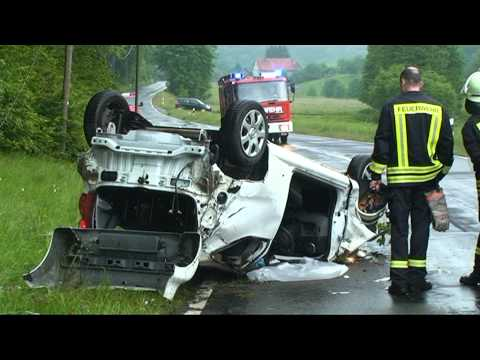 Haddenberg: Frau im Auto eingeklemmt