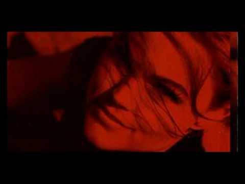 Tekst piosenki Belinda Carlisle - Submission po polsku