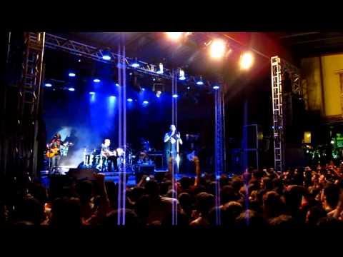 Show do Capital Inicial em Sete Lagoas 02/04/2011 - Dinho fala da banda Belos e Malditos