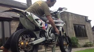 6. HONDA CRF 450 X Supermoto 2010 - For Sale - Cold kick start