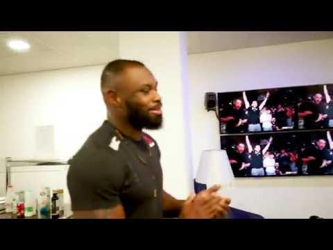 UFC fighter's amazing reaction to final round of Adesanya vs Gastelum - UFC 236