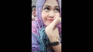 Video Ganti Baju Depan Kamere, Gak Sadar Celana Dalamnya Kelihatan MP3, 3GP, MP4, WEBM, AVI, FLV Januari 2019