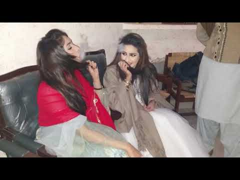 Video Pakistani Stage Dancer Enjoying and Smoking with Policeman at Police Station download in MP3, 3GP, MP4, WEBM, AVI, FLV January 2017