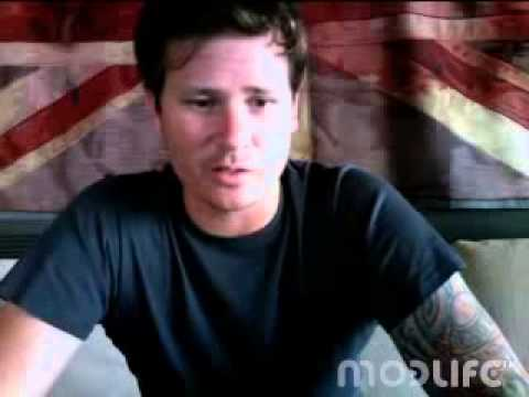 delonge - this is a full one of him and jonas.