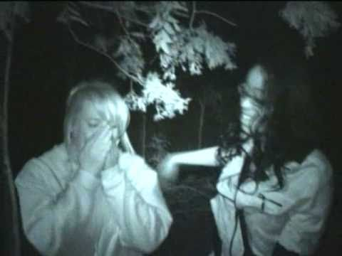 Best scary prank -Two girls jump and scream Funny Video!
