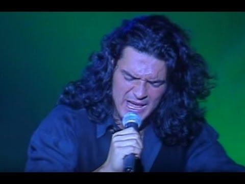 Ricardo Arjona video La noche te trae sorpresas - Teatro Opera 1995 - Argentina