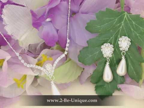 Beautiful Pearl Bridesmaid Jewelry Showcase