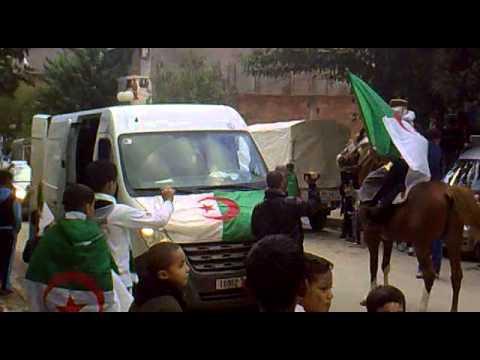 Download تشجيعات أنصار المنتخب الوطني مباشرة من الحطاطبة قبل لحظات من مباراة الجزائر وبوركينافاسو HD Mp4 3GP Video and MP3