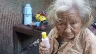 Obat Andalan Suparni, Nenek 117 Tahun di Kulon ProgoYanuar HLiputan6.comSuparni Tukiyem (65)