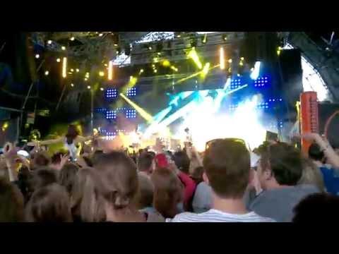 Clean Bandit - Rather Be (live at Balaton Sound 2014)
