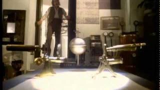 Kate Bush - Cloudbusting - Official Music Video