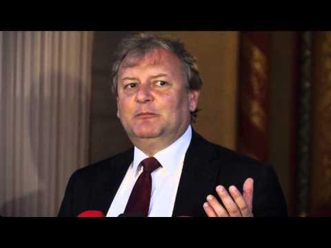 A felsőoktatási törvény módosítása rontja a magyar egyetemek és főiskolák versenyképességét