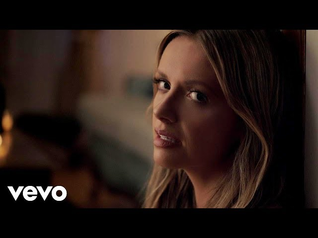 Carly-pearce-every-little