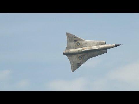 Historic Jet Formation, De Havilland...