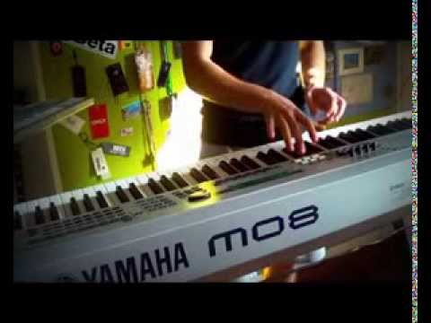 Yamaha mo8 mo6 - How to create a simple pattern ITA
