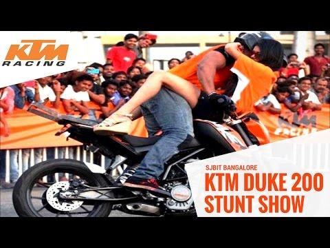 Video KTM Duke 200 Stunt show @ SJBIT Bangalore download in MP3, 3GP, MP4, WEBM, AVI, FLV January 2017