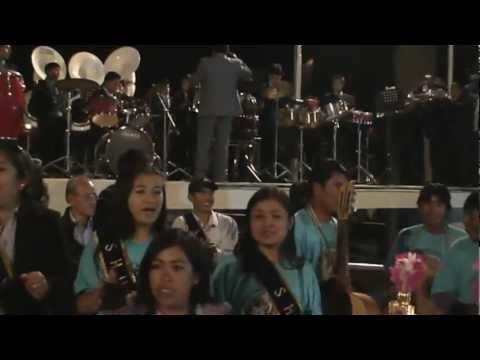 BARRIO DE SHUYO CON LA BANDA LA GRAN FAMILIA DE TOMA CARHUAZ    HUAYLAS ANCASH     2012