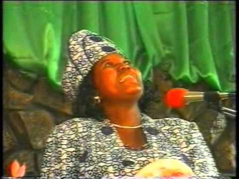 Togo Gospel Music: Mme Abitor Makafui - Daniel Mawu