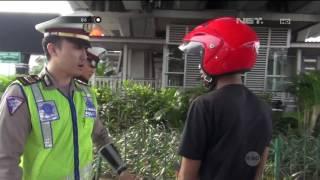 Video Panik Melihat Polisi, Pengendara Ini Jatuh Dari Motor - 86 MP3, 3GP, MP4, WEBM, AVI, FLV Agustus 2017
