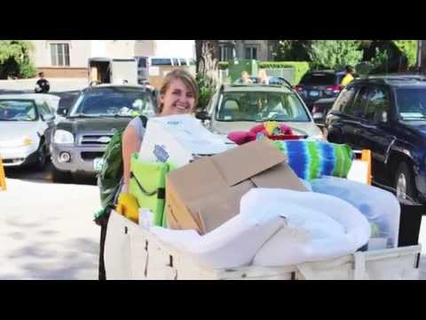 Video of 2014 Residence Hall Move-In
