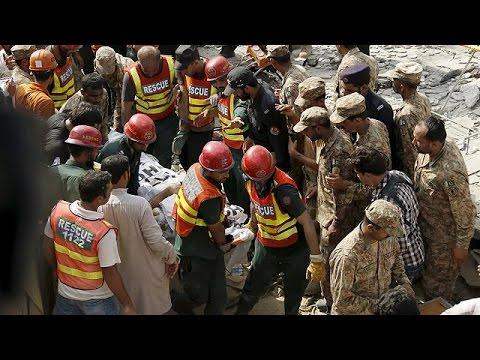 Πακιστάν: Πολύνεκρη επίθεση καμικάζι – Νεκρός υπουργός της επαρχίας Πουνγιάμπ